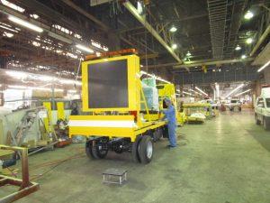 トノックスで製造される特装車のひとつ「標識車」