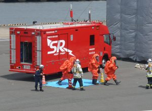 消防庁貸与の特殊災害対応車:横浜市消防局