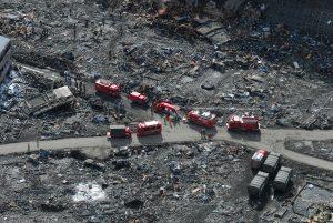 東日本大震災被災地で活動する緊急消防援助隊大阪府隊