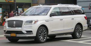 米国製車両「リンカーン・ナビゲーター」4代目2018年モデル (Wikipedia Kevauto - 投稿者自身による作品, CC 表示-継承 4.0,によるより)