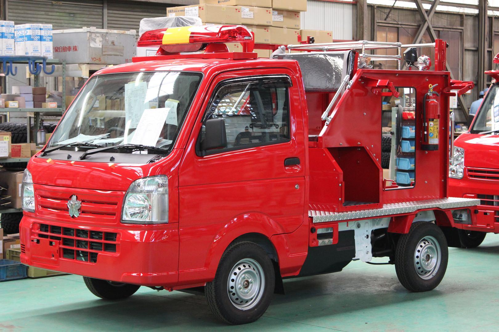 特種用途自動車の「専ら緊急の用に供するための自動車」に分類される 軽消防車(トノックス工場にて)