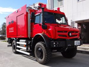 高機動救助車 ウニモグU5023Twitter@machidaRESCUEより